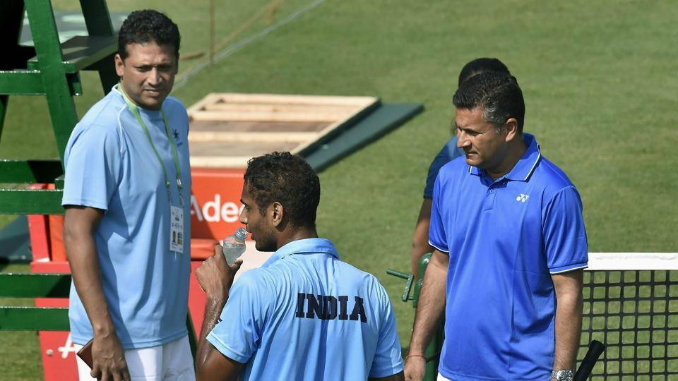 Davis Cup: Bhupathi should continue as captain, says Indian team