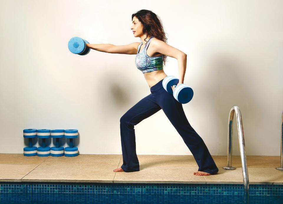 women's workout,weight training,muscle work