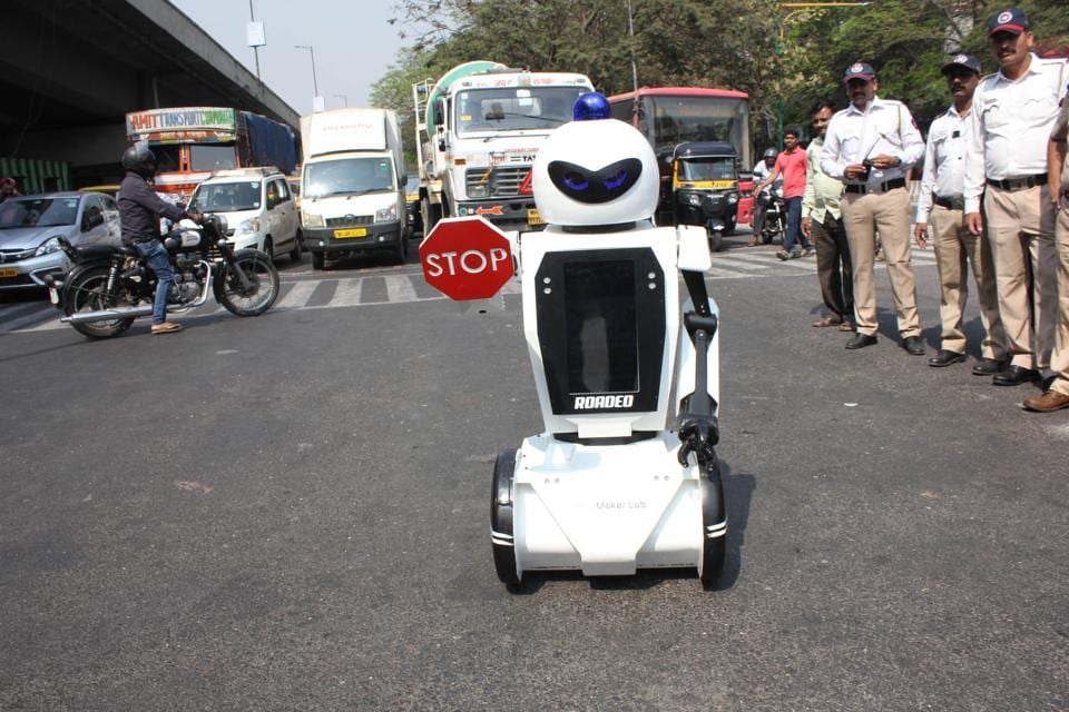 The robot will be first introduced at the road safety week carried by the traffic team from February 4 to 10.