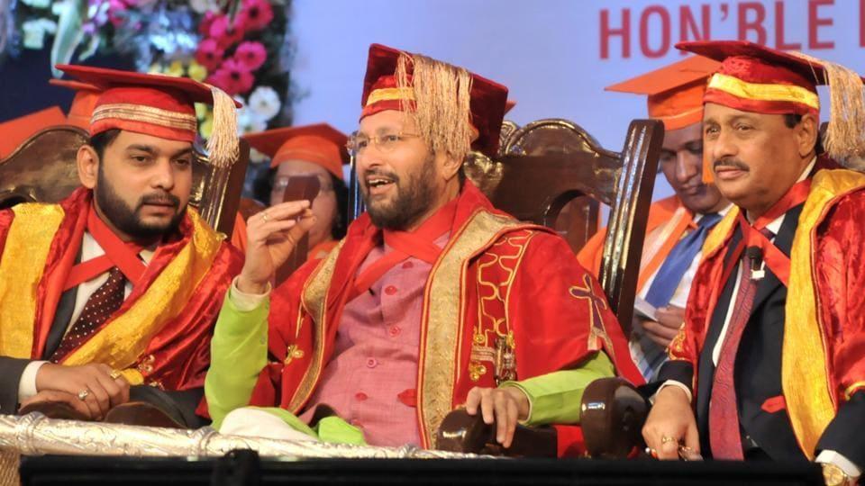 Prakash Javadekar (centre), HRD minister, during the convocation ceremony at Bharati Vidyapeeth on Saturday.