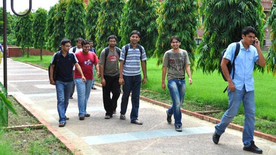 IIM Lucknow placements : The Indian Institute of Management, Lucknow registered 100% final placements for its 33rd batch of 460 students within three days.