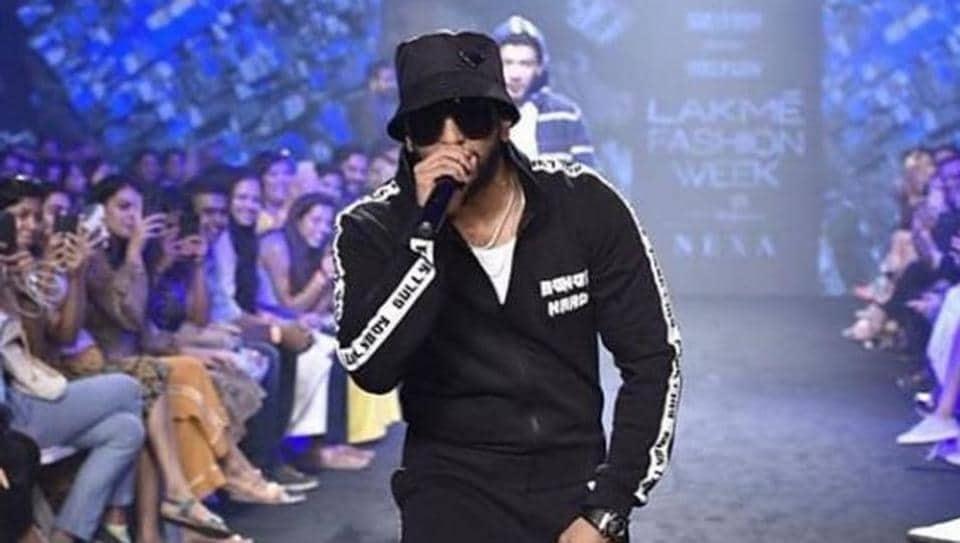 Ranveer Singh performs live at Lakme Fashion Week.