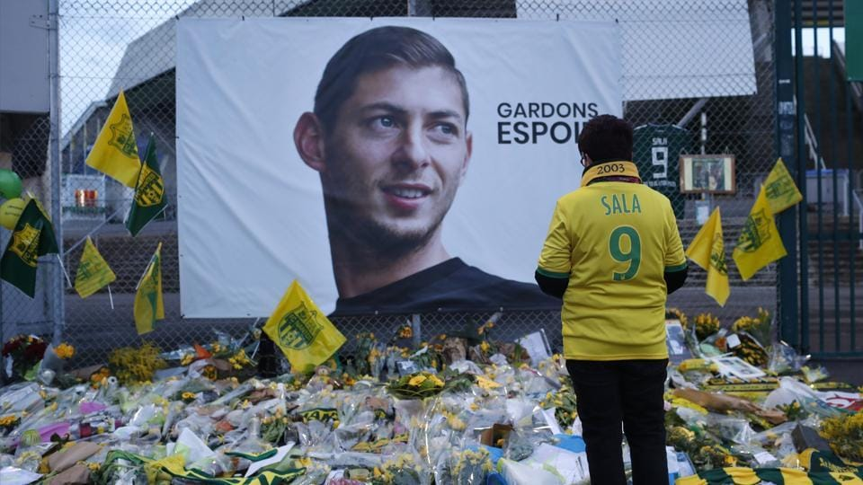 'It's a bad dream,' Sala's father says after plane recovered   football