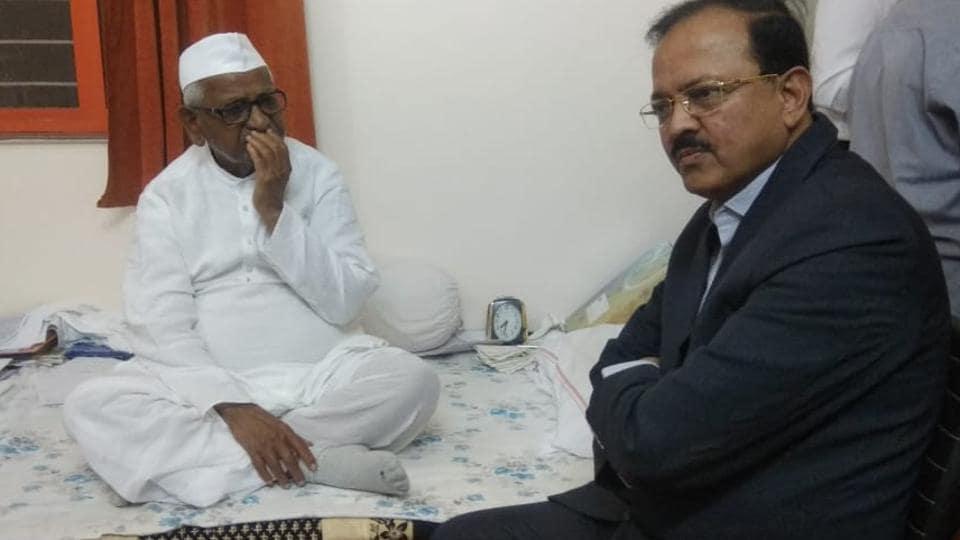 anna hazare on hunger strike,activist anna hazare,lokayukta
