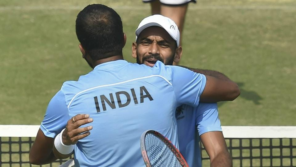 The winner of the tie between India and Pakistan will move to the World Group Qualifiers.
