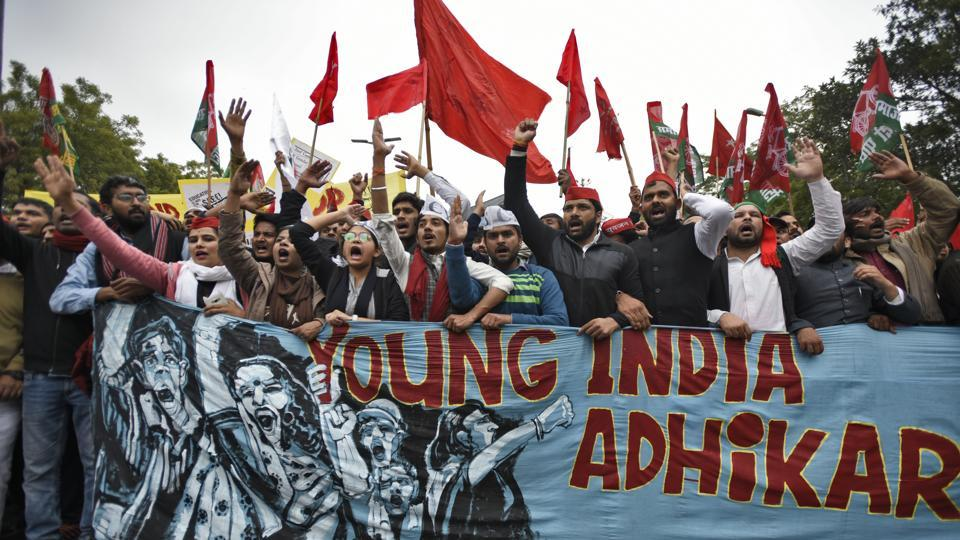In yet another demonstration of dissent, student leaders and union members from over 50 organisations and universities took part in the Young India Adhikar March from Red Fort to Parliament Street today, to demand educational and employment opportunities from the government. (Burhaan Kinu / HT Photo)