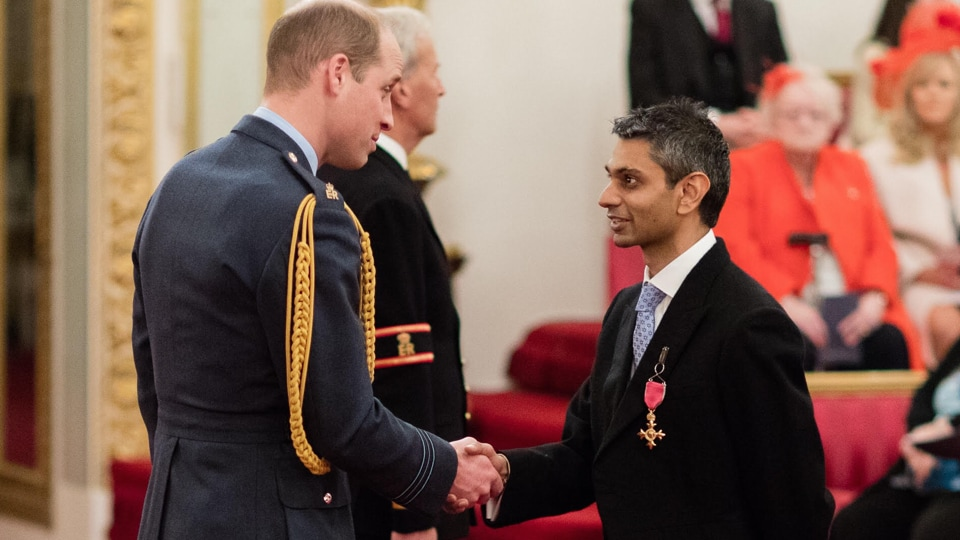 66e86560a21 Dhruv Patel became the City of London Corporation s first ever chair in  2015 of a committee from a BAME background when he was elected chairman of  Community ...