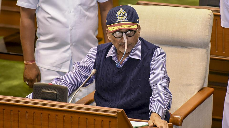 "Former defence minister Manohar Parrikar had termed as 'over reaction' his ministry's note objecting to ""parallel parleys"" by the Prime Minister's Office (PMO) with French authorities in the Rafale deal. The response came after a newspaper report on Friday cited a November 24, 2015 note of the defence ministry, which said that parallel discussions by the PMO ""weakened the negotiating position of the MoD and Indian Negotiating Team."" (PTI File)"
