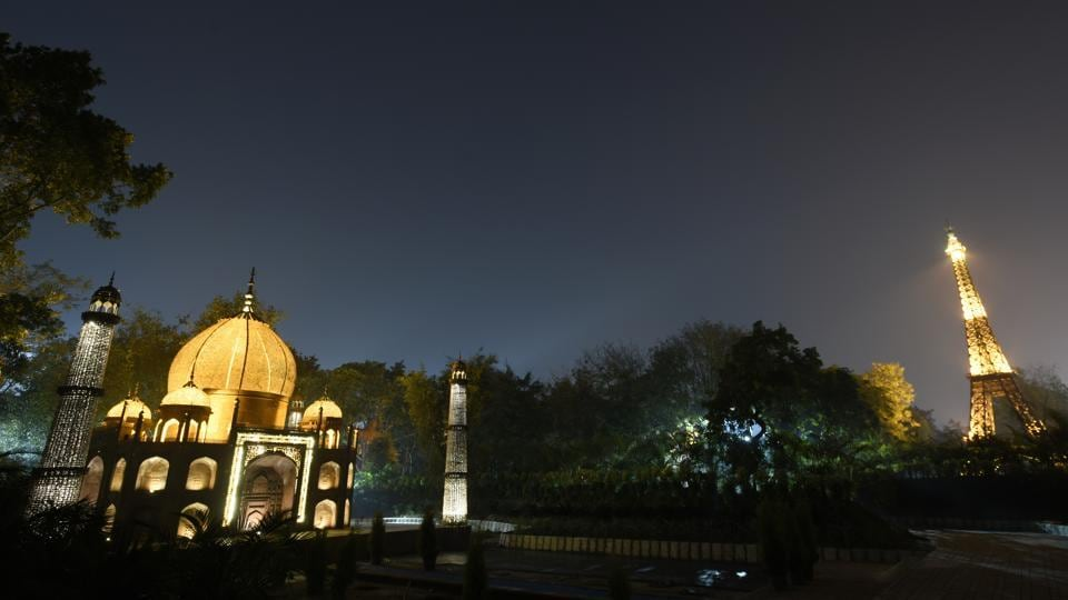 Take in the Taj Mahal and the Eiffel Tower in the sweep of a single gaze once the Wonders of the World Park opens at Rajiv Gandhi Smriti Van near Sarai Kale Khan in New Delhi. (Burhaan Kinu / HT Photo)