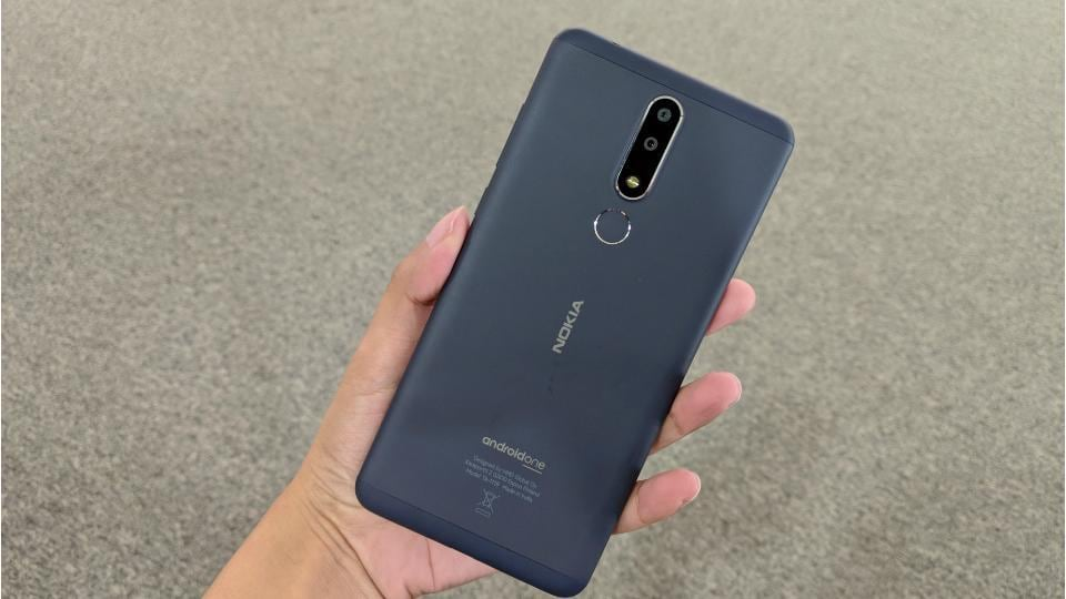 Nokia 9 PureView will have seven circular slots in total with five for camera sensors.
