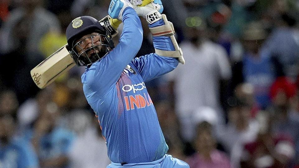 Dinesh Karthik bats during the third T20I against New Zealand.