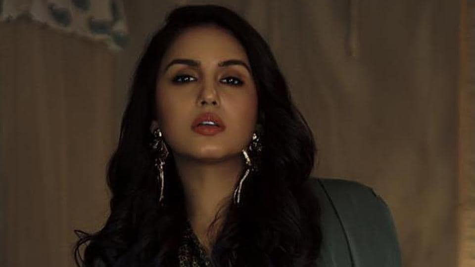 Huma Qureshi prefers showing her true self on social media.