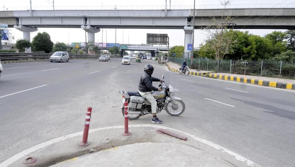 google maps,noida traffic police,accident prone spots in noida