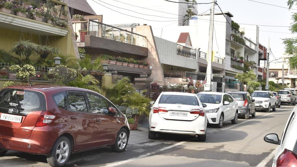 delhi's parking policy,delhi govt,parking fee