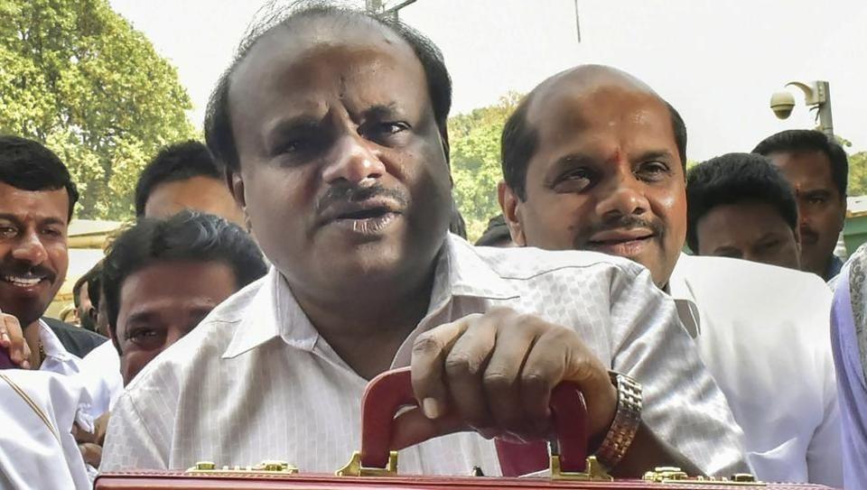 Karnataka,Kumaraswamy,bribe