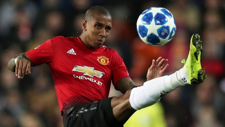 Ashley Young,Manchester United,Ashley Young contract extension