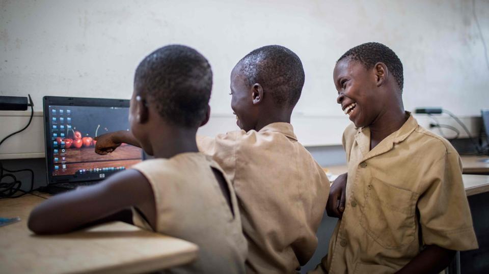 Travelling classroom,Benin