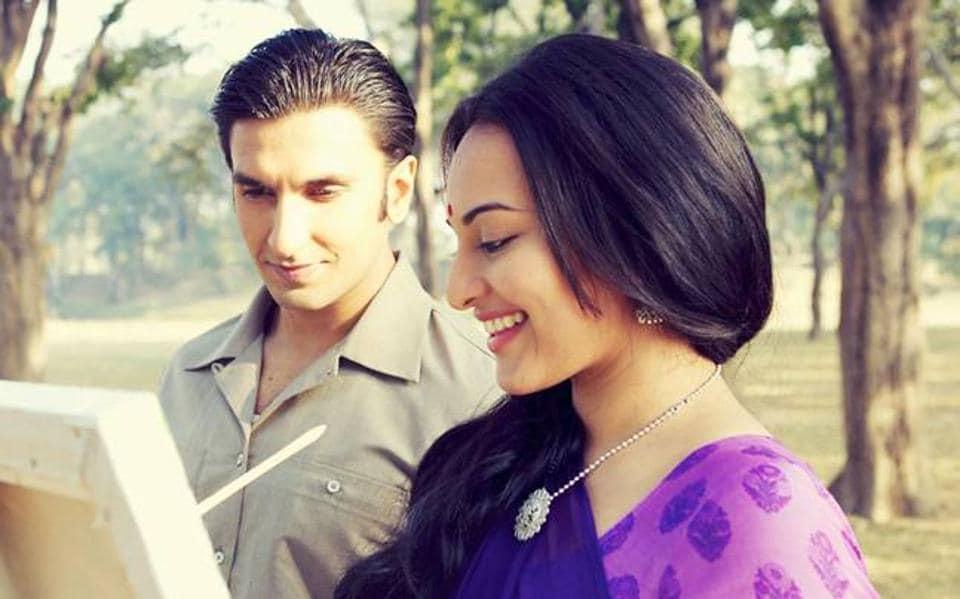 Ranveer Singh and Sonakshi Sinha in Lootera.