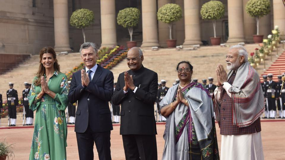 Argentine President Mauricio Macri, and his wife Juliana Awada, greet as they stand for photographs with President Ram Nath Kovind, his wife Savita Kovind and Prime Minister Narendra Modi, during a ceremonial reception. India and Argentina are expected to sign up to eight agreements during Macri's visit to the country, including one to expand defence cooperation.  (Sanjeev Verma / HT Photo)