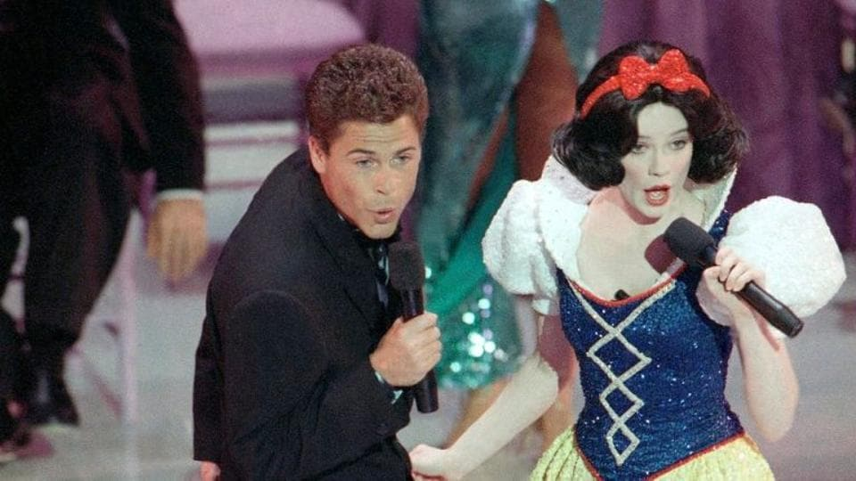 Rob Lowe performed with an unknown Snow White at the 61st Oscars ceremony.