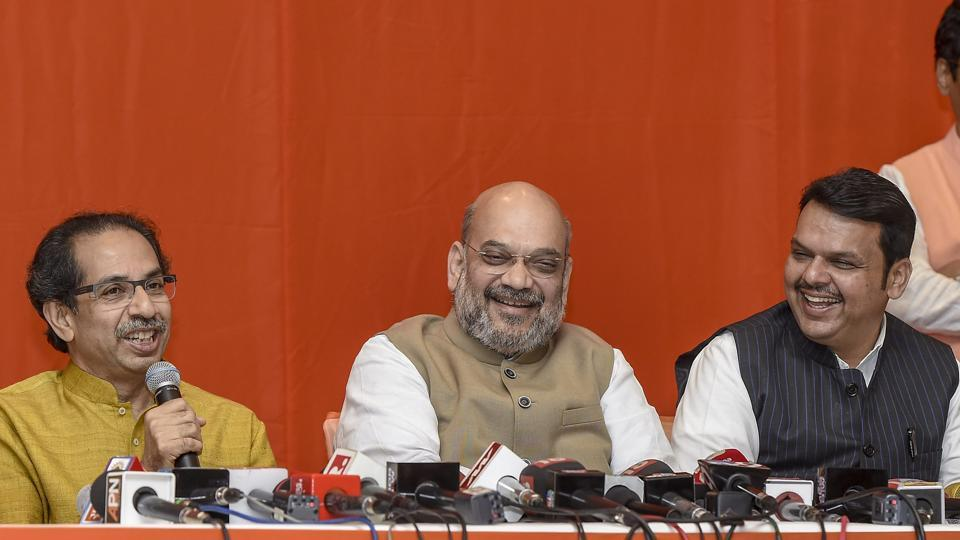 Shiv Sena president Uddhav Thackeray with BJP president Amit Shah and Maharashtra CM Devendra Fadnavis and others at a press conference to announce an alliance between Shiv Sena and BJP for Lok Sabha and Assembly polls, in Mumbai, Monday, Feb 18, 2019.