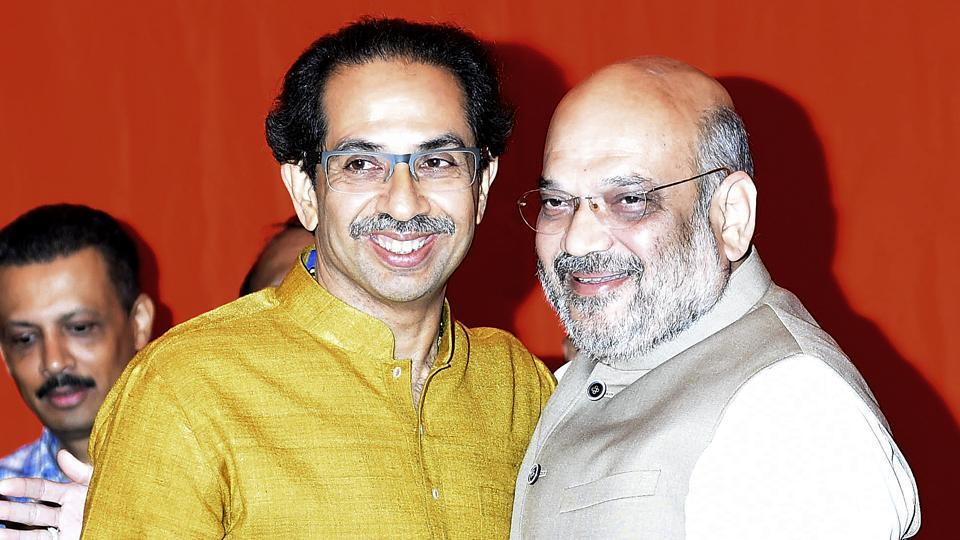 Shiv Sena president Uddhav Thackeray and BJP chief Amit Shah after announcing an alliance between their parties for the Lok Sabha and Assembly polls, on February 18.