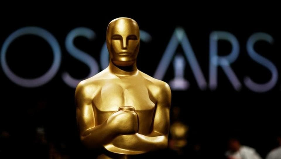Image result for oscar statue 2019