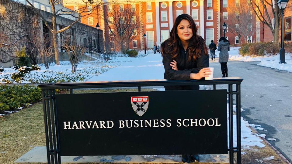 Tanushree Dutta was at the Harvard Business School as a guest speaker. See pics