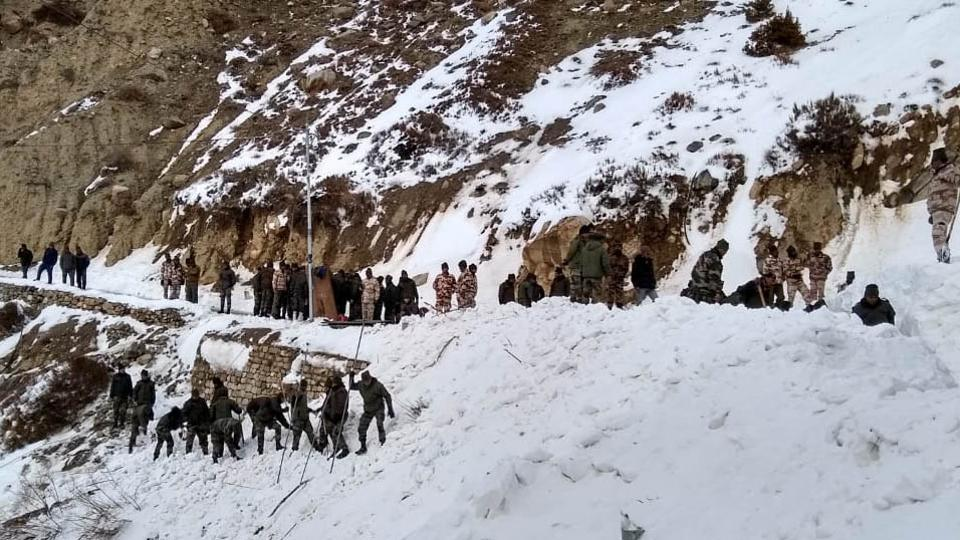 avalanche,Himachal Pradesh,Army soldiers