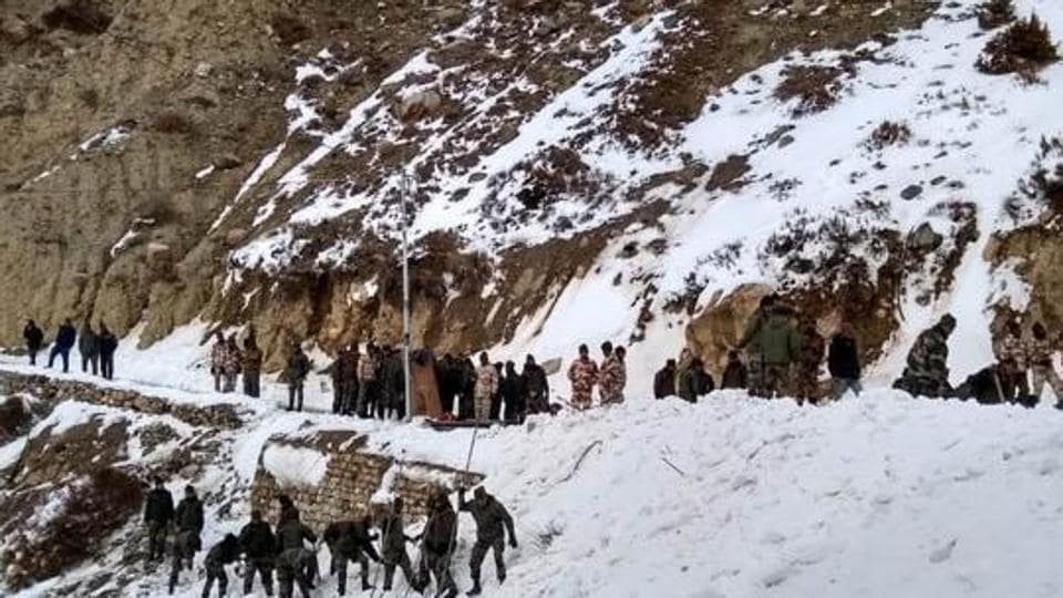 Kinnaur (Himachal Pradesh), Feb 20 (ANI): Operation underway to rescue 5 jawans trapped in snow after an avalanche hit them in Namgya region of Kinnaur district in Himachal Pradesh on Wednesday. (ANI Photo)