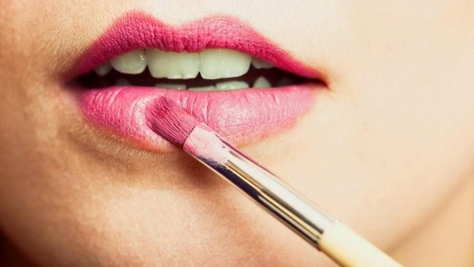 Chemicals found in pregnant women's lipsticks may harm motor