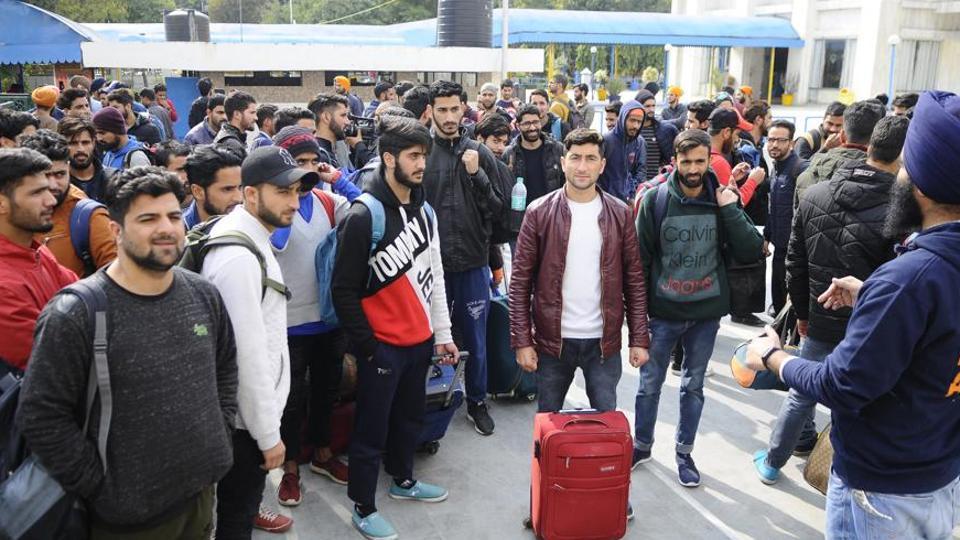 Kashmiri students from Dehradun, Ambala, Banur and Mohali leaving for Kashmir with help of Khalsa Aid at Gurudwara Sacha Dhan, Phase 3B1, in Mohali, Punjab, India on Tuesday.