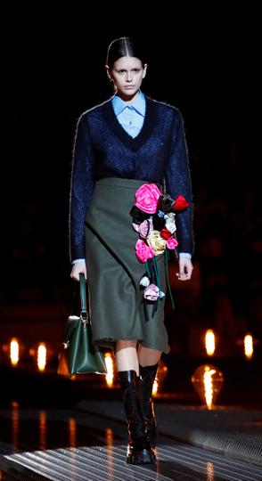 Model Kaia Gerber presents a creation by Prada during the Milan Fashion Week in Milan, Italy February 21, 2019. REUTERS/Alessandro Garofalo (REUTERS)