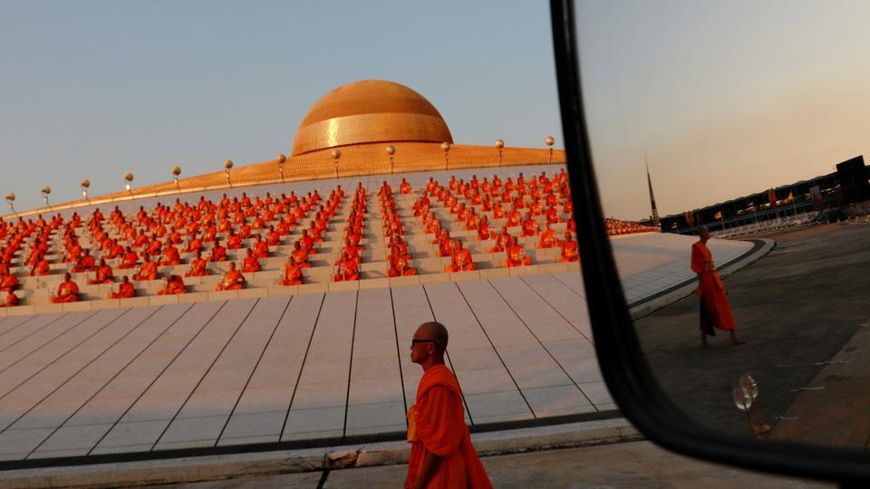 Photos Of The Week Makha Bucha Day And Pigcasso At Work World