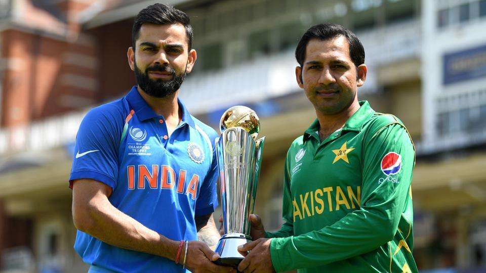 File image of India skipper Virat Kohli with Pakistan captain Sarfraz Ahmed.