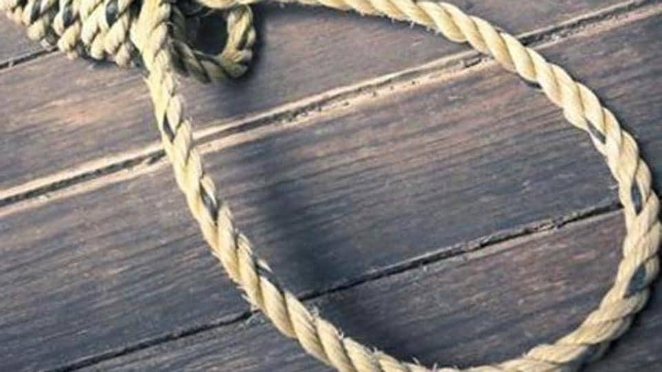 Retired engineer kills NRI daughter with iron rod, hangs self in Amritsar. (Representative photo)