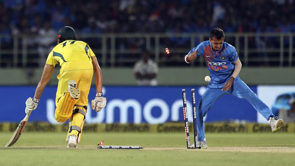 Australia got off to a shaky start, losing 2 wickets in the first 3 overs (AP)