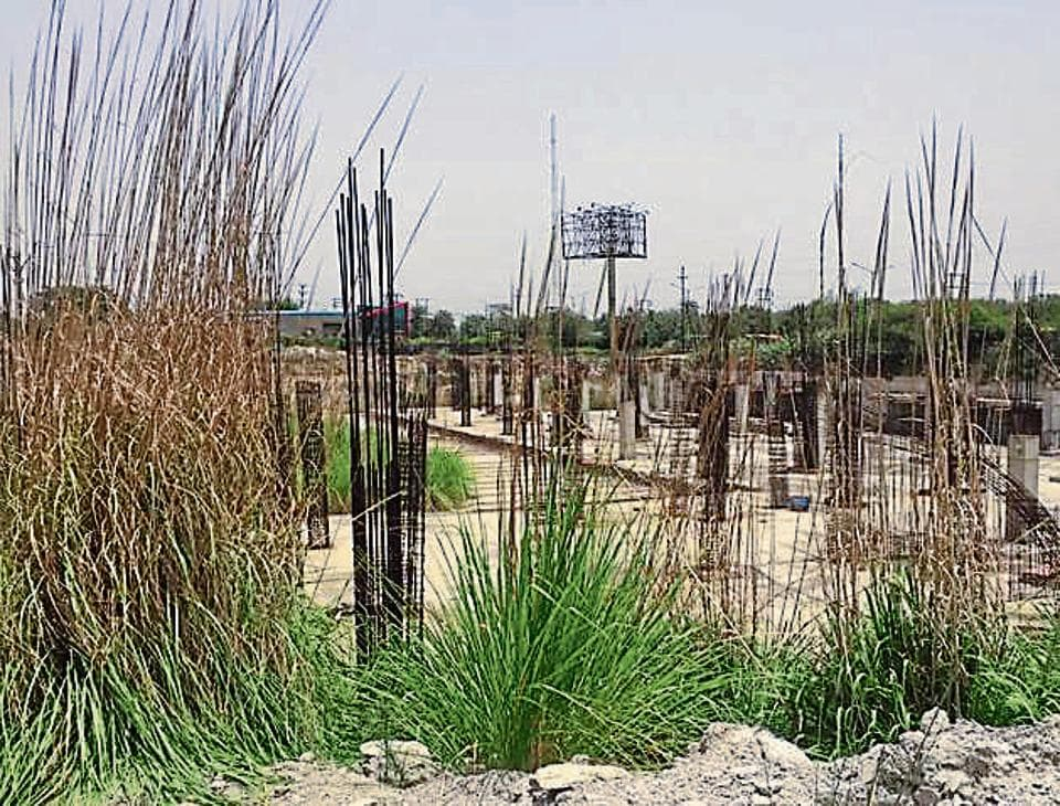 A site of Techone project in Greater Noida. Earth Infrastructure Limited has failed to deliver realty projects in Greater Noida.