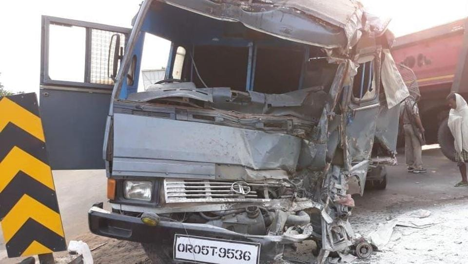 Two Odisha policemen killed in road accident, 29 injured | india