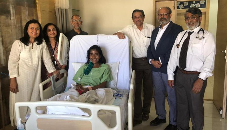 Archana Jana, Vrinda Pusalkar, Ashton Harris (Sarah's father), Dr Deepak Kirpekar, Dr Dhanesh Kamerkar and Dr S M Ambike along with Sarah.