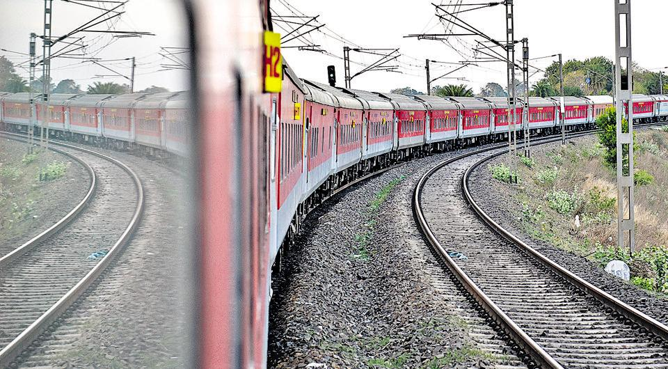 A Howrah-Delhi Rajdhani in motion. When introduced,this was the fastest train in the country.