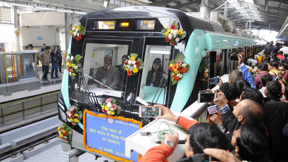 The Noida Metro Rail Corporation (NMRC)on Friday said that it will finish the construction of a 300-metre walkway and e-rickshaw track to connect the Aqua Line with the Delhi Metro's Blue Line in one month.. (Photo by Sunil Ghosh / Hindustan Times)