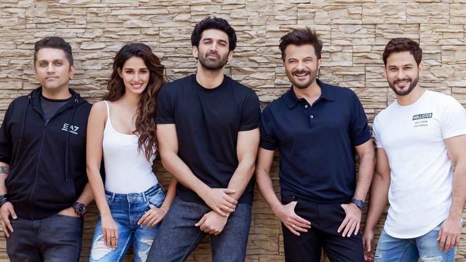 Anil Kapoor shared this picture of the team of Malang.