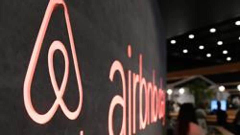 Man admits choking Airbnb guest to death over bill