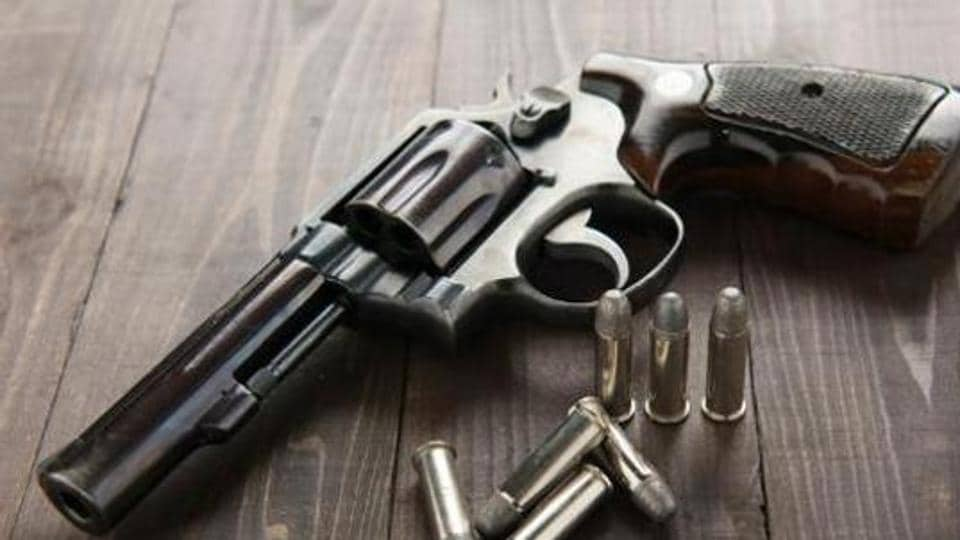 A 24-year-old lawyer was shot at while trying to foil a robbery bid at a jewellery store located on the ground floor of his house in Jalalpur village in Greater Noida on Saturday.