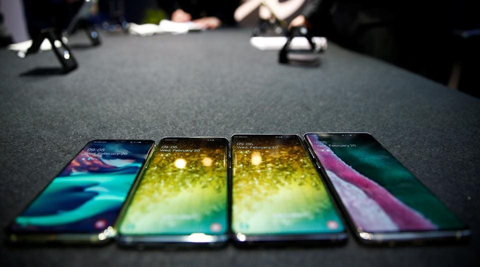 The new Samsung Galaxy S10e, S10, S10+ and the Samsung Galaxy S10 5G smartphones at a press event in London, Britain February 20, 2019. REUTERS/Henry Nicholls