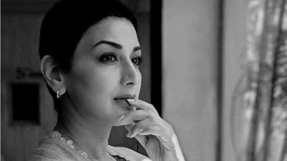 Reply))) Who sonali bendre i brost seems magnificent