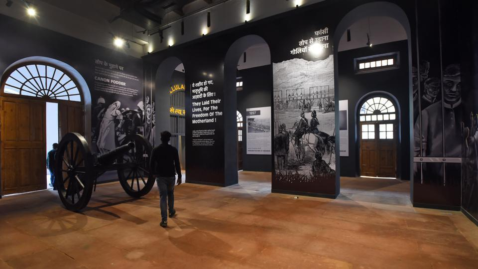 "Azaadi Ke Diwane joins four such museums inaugurated since January in the Red Fort: Subhash Chandra Bose and INA museum, Yaad-e-Jallian museum, museum on 1857 (India's first war of Independence) and Drishyakala, a museum on Indian art. This museum forms part of a ""Kranti Mandir"" series to inspire the younger generation, Union Culture Minister Mahesh Sharma (R) said at the inauguration. (Amal KS / HT Photo)"