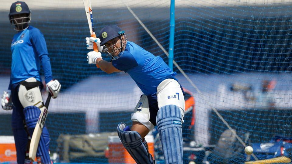 MS Dhoni goes big in nets ahead of Ranchi ODI