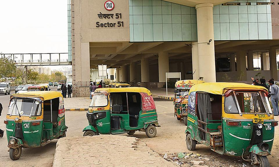 Autorickshaws have started lining up outside the Sector 51 Metro station along the recently started Aqua Line in Noida. The new feeder buses will help curb the dependency on autorickshaws.